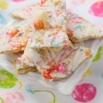 Tropical White Chocolate Bark is an easy to make no bake treat that's great for parties. Package up and give as a gift, you'll love this simple snack.