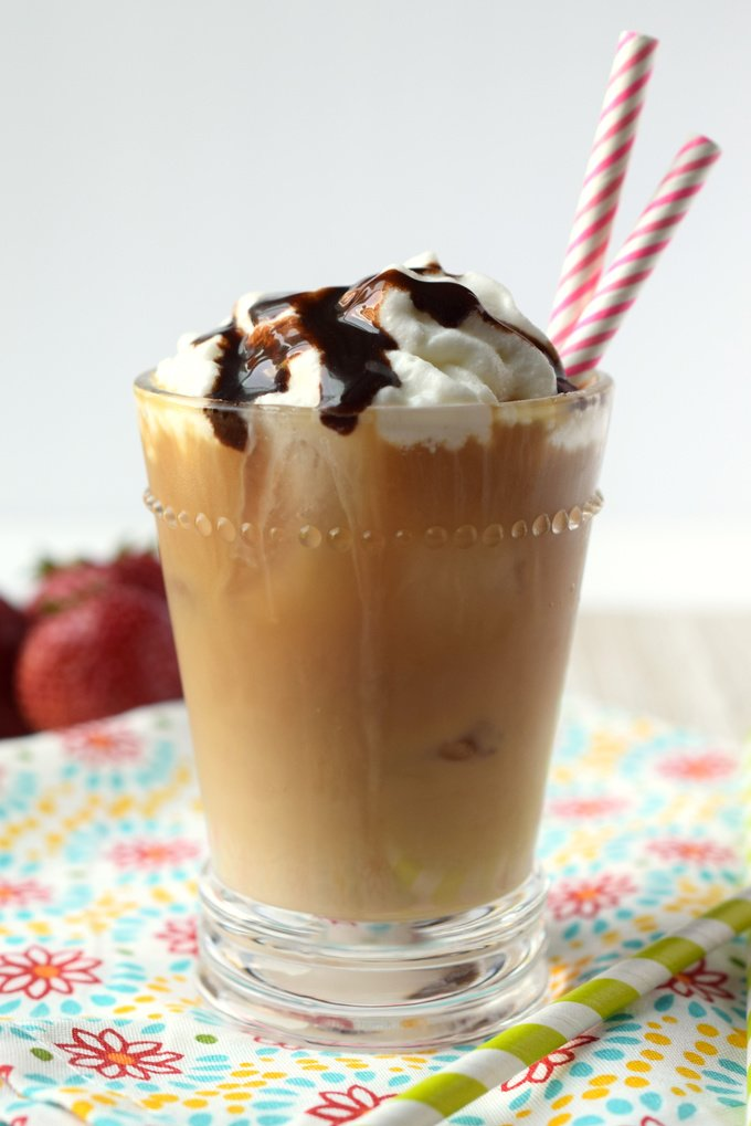 Mocha Iced Latte {Starbucks Copycat}