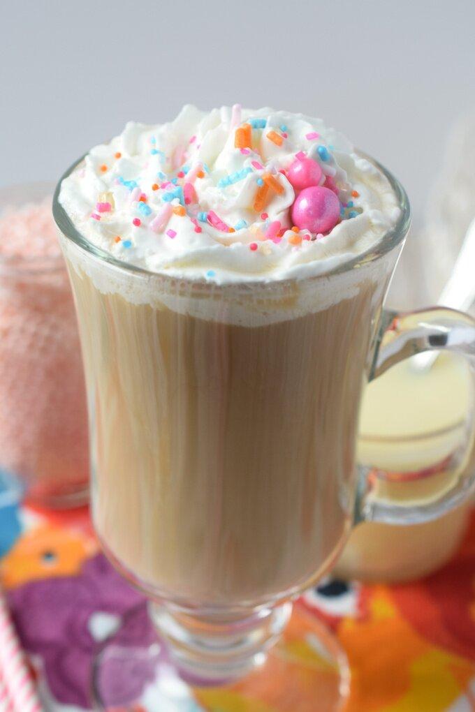 White Chocolate Mocha {Starbucks Copycat}